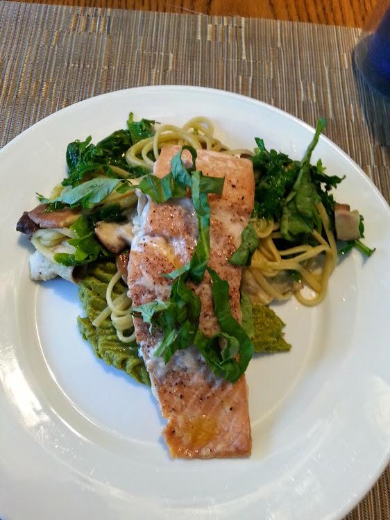 salmon with asparagus puree