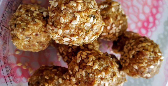 Caramel Maca Latte and Honey Sesame Cookies