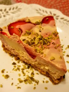 Healthy No-Bake Strawberry Lime Cheesecake
