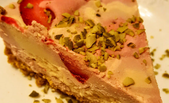 Healthy No-Bake Strawberry Lime Cheesecake